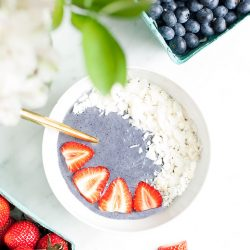 10 Blueberry Smoothies To Keep That Extra Weight Off The Bay!