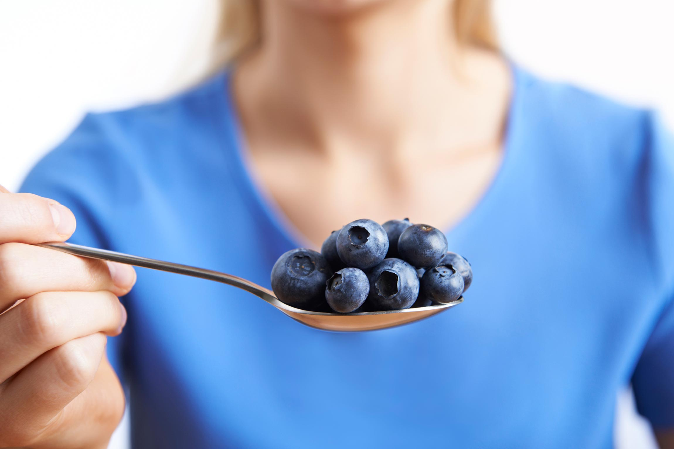 Raw Is The Best Way To Eat Blueberries